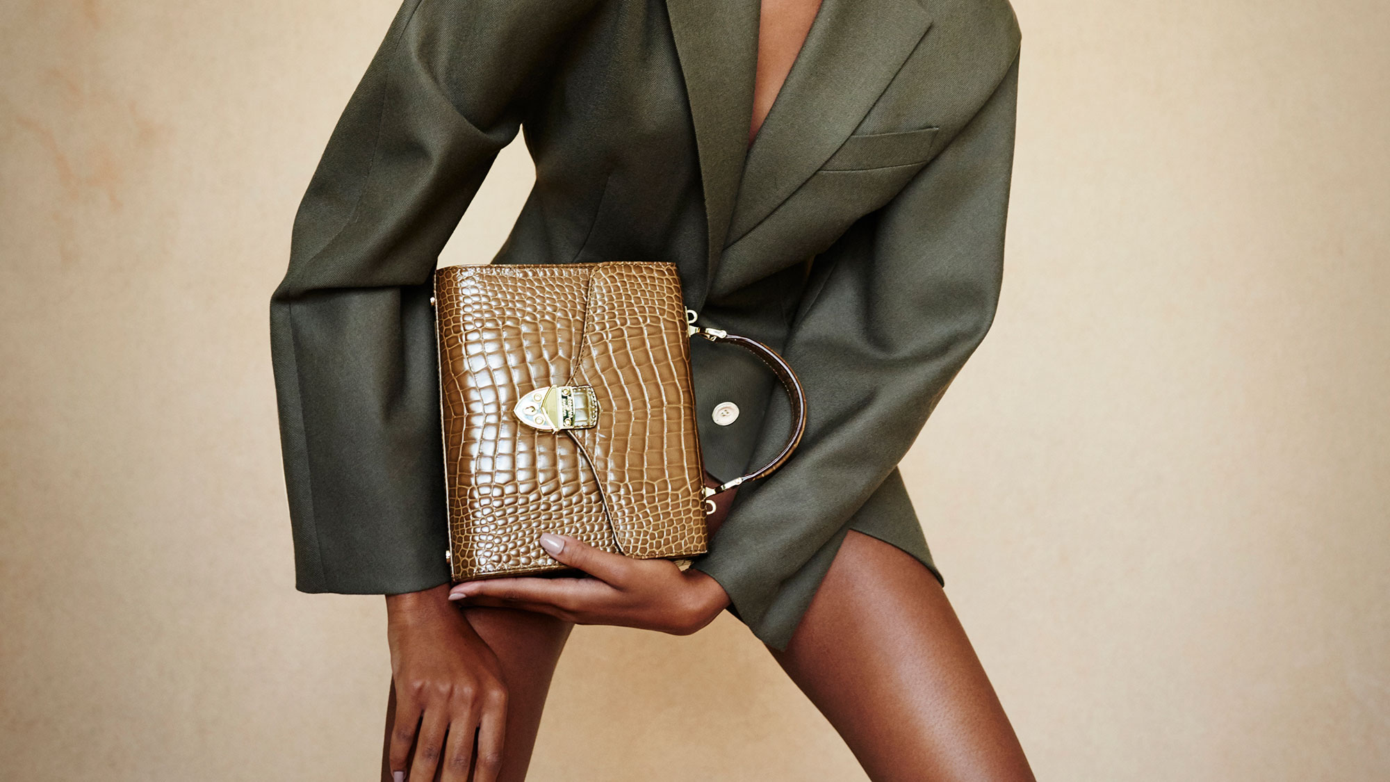 The sell-out Aspinal bag the celebrities can't get enough of
